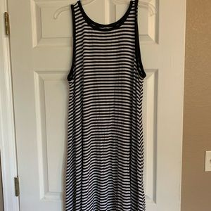 Black/white striped sleeveless A-line dress
